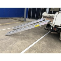 3 Tonne 2.7 metre x 300mm Aluminium Loading Ramps - Rubber / wheeled machines